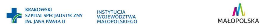 zdjęcie przedstawia logotyp Krakowskiego szpital specjalistycznego im Jana Pawła II - to niebieski krzyż na białym tle, z dwiema zielonymi liniami, jakby tęczą. Jest też informacja że to instytucja województwa małopolskiego oraz znak funduszy małopolskich - kolorowa literka M