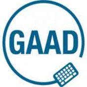 zdjęcie to logotyp konferencji o dostępności - na białym tle są litery GAAD. Otoczone są niebieskim kołem, na którym jest klawiatura oraz dwie kropki.