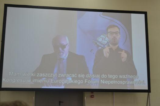 Yannis Vardakastanis, przewodniczącego Europejskiego Forum Osób Niepełnosprawnych (EDF) podczas specjalnego wystąpienia na kongresie