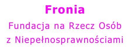 Logotyp Fundacji Fronia - Fundacji na rzecz osób z niepełnosprawnościami, współorganizatora Małopolskiego Konwentu. Różowymi literami napisana nazwa na białym tle.