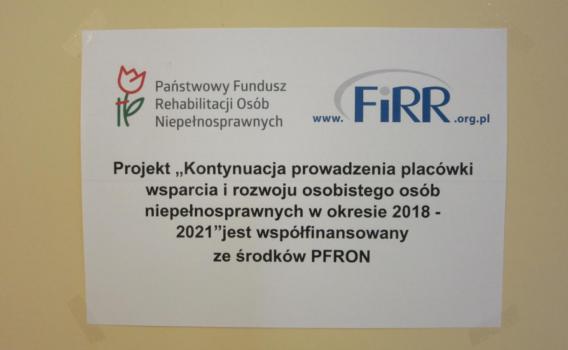 Tabliczka informująca, że projekt współfinansuje PFRON